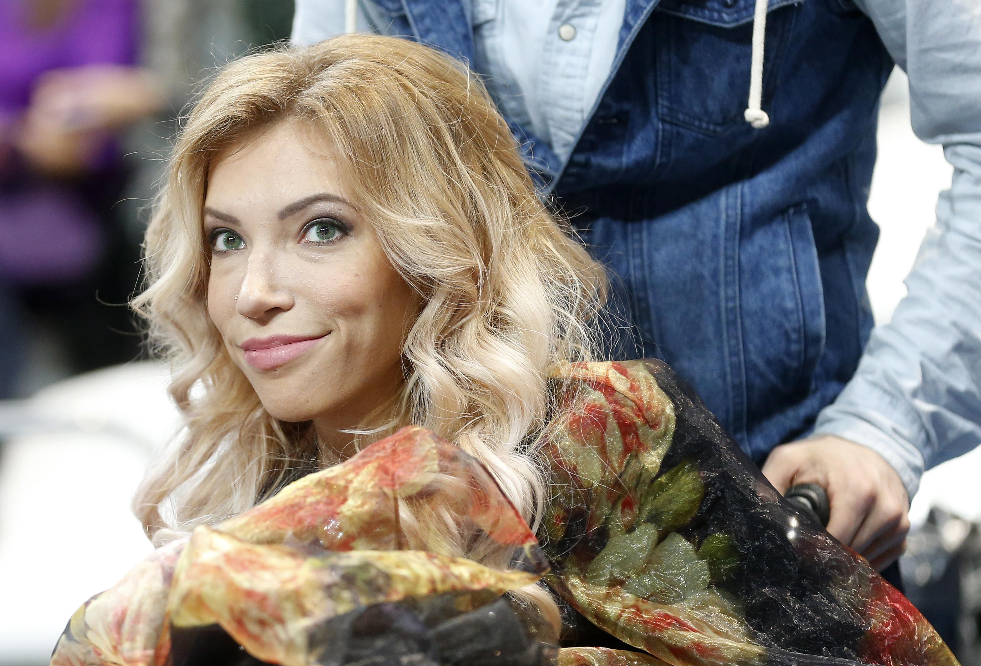 Yulia Samoylova (C) EPA/MAXIM SHIPENKOV